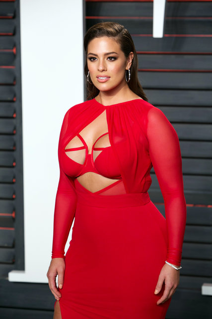 The model Ashley Graham at the 2016 Vanity Fair Oscar Party in February. Credit Adrian Sanchez-Gonzalez/Agence France-Presse — Getty Images