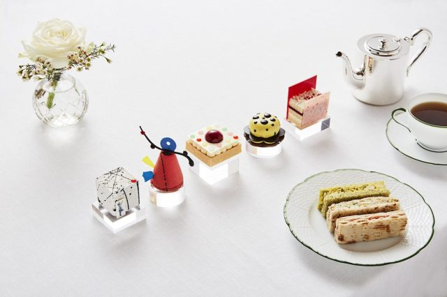 """Art"" cakes in the art-themed tea. Photo © Rosewood London"